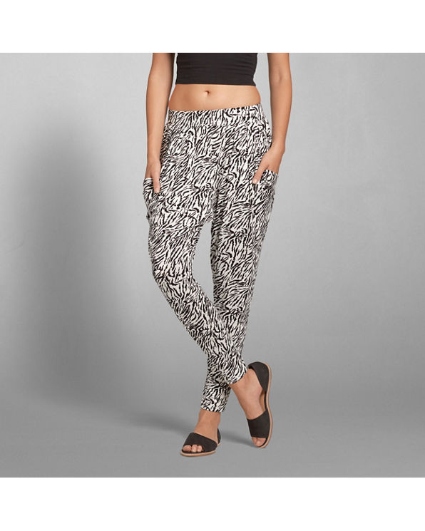 Excellent Another Good Option Are Harem Pants Because Theyre Loose, Comfortable, And They Come In Tons Of Fun Colors And Patterns Brooke Recently Tried  Quick Dry Pants Women Who Are Traveling In Outdoor Environments, Or Just Planning