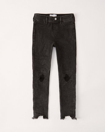 Giacca Di Jeans Con Toppe from Abercrombie & Fitch on 21 Buttons