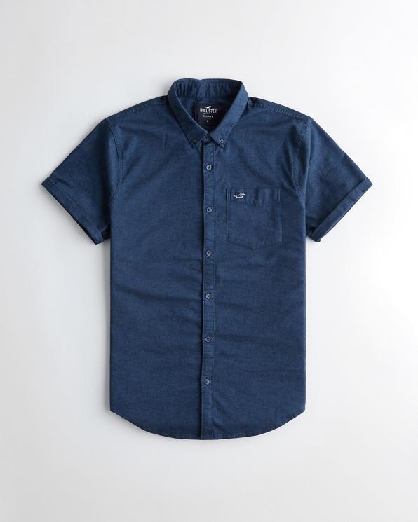 Plus Size – Schwarzes, kurzärmliges Oxfordhemd Für später speichern Von gespeicherten Artikeln entfernen