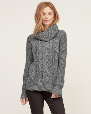 ANF Cable Turtleneck Sweater