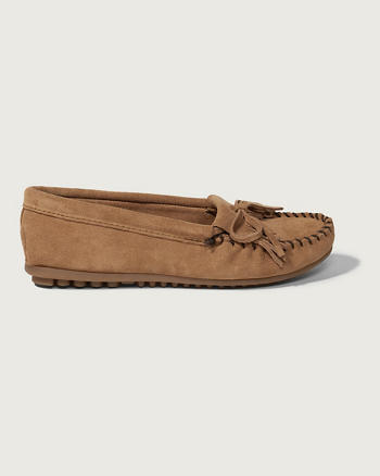 ANF Minnetonka Kilty Shoe