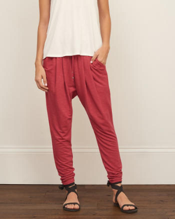 Womens Tapered Drapey Pant