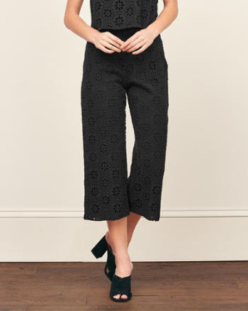 Womens Eyelet Gaucho Pants
