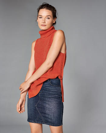 ANF Turtleneck Sweater Tank