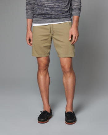 Mens Classic Fit Zip Pocket Pull-On Shorts