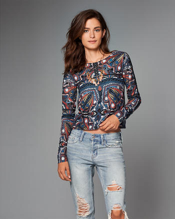 ANF Embroidered Long-Sleeve Top