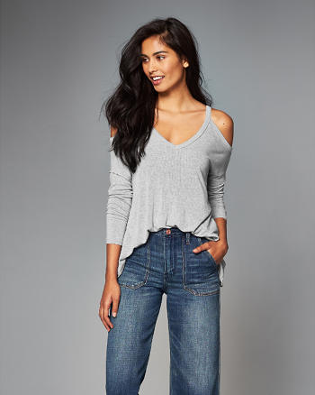 ANF Ribbed Cold Shoulder Top