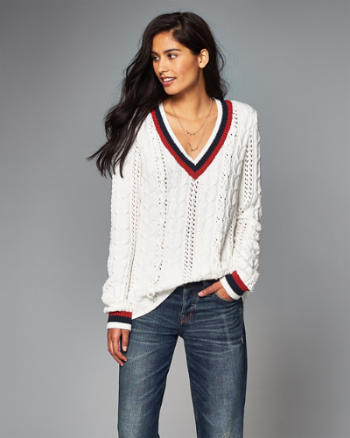 Womens Cable-Knit V-Neck Sweater