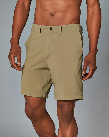 ANF 7 Inch Walk Shorts