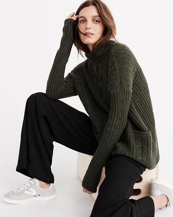 ANF Boxy Cable Turtleneck Sweater
