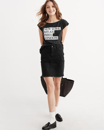 ANF Snap Shoulder Graphic Tee