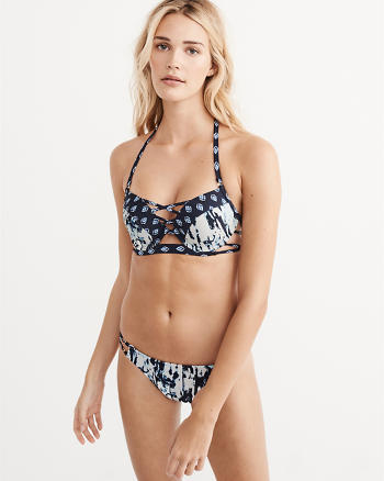 ANF Plunge Push-Up Top