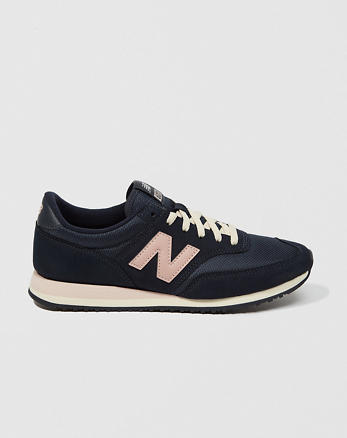ANF New Balance 620 Sneakers