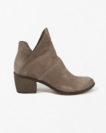 ANF Dolce Vita Salena Booties