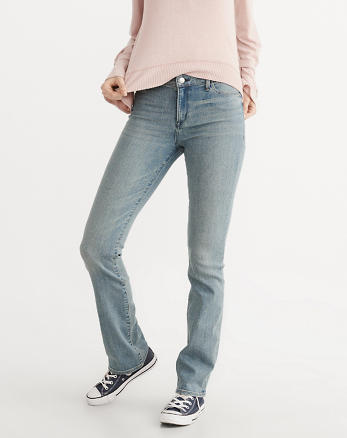 ANF Low-Rise Boot Jeans