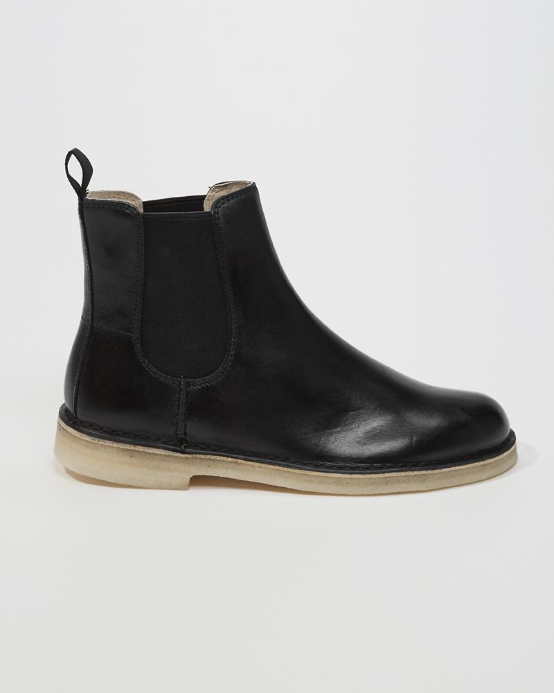 Clarks Women's Desert Peak. Chelsea Boot, Beeswax Brown Leather, 7 Medium US