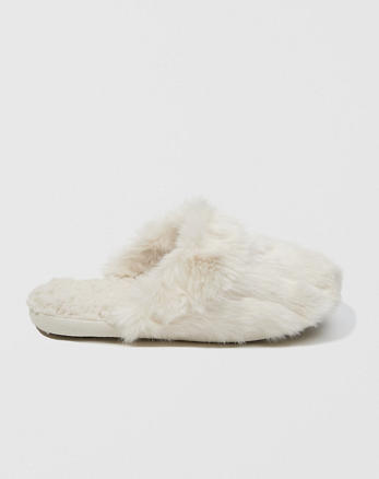 ANF Faux Fur Slipper