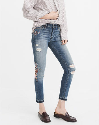 ANF Embroidered Low-Rise Ankle Jeans