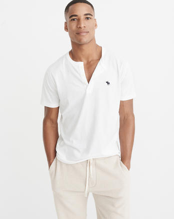 ANF Short-Sleeve Icon Henley