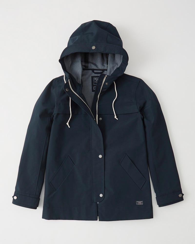 Classic Raincoat | Tuggl