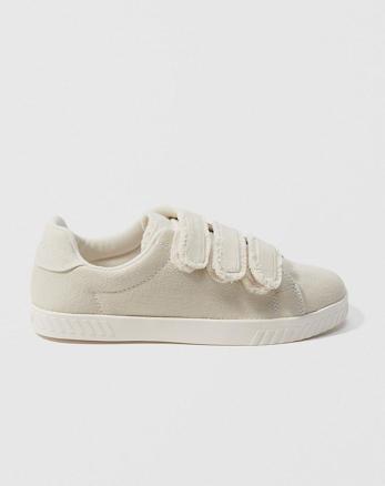 separation shoes 4f45e e29df Tretorn Carry Fringe Sneakers, Cream