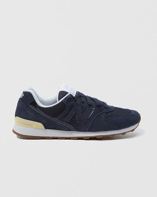 on sale bf57d 79db1 Womens New Balance 696   Womens Shoes   Abercrombie.ca