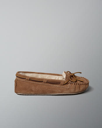 ANF Minnetonka Cally Slipper