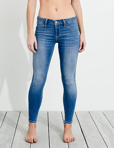 Levi's® girls jeans have the quality and style you'd expect. Cool kids have always worn Levi's®. Shop girls skinny jeans and other styles at Levi's®.