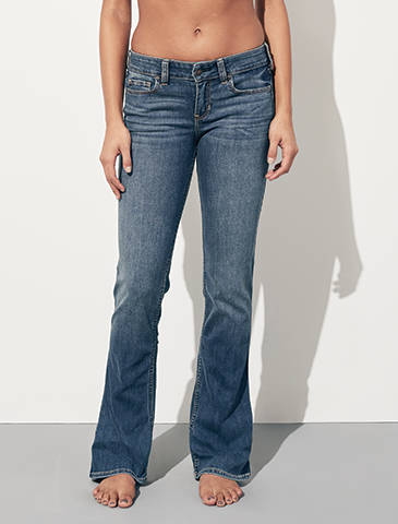 f5b9ae0c2d785 Jeans con corte bota