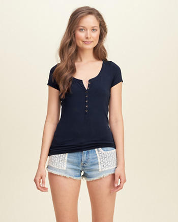 Must-Have Slim Henley