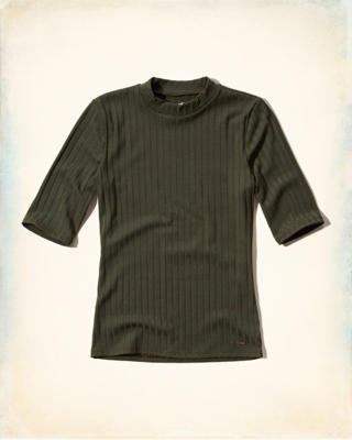 Ribbed Half-Sleeve Mock Neck Shirt
