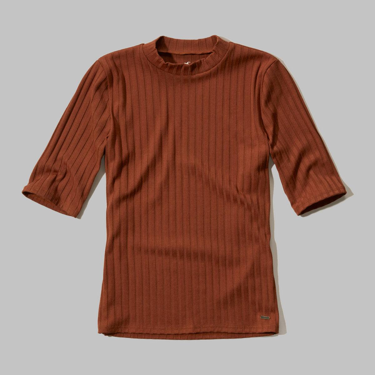 Ribbed Half-Sleeve Mock Neck Shirt