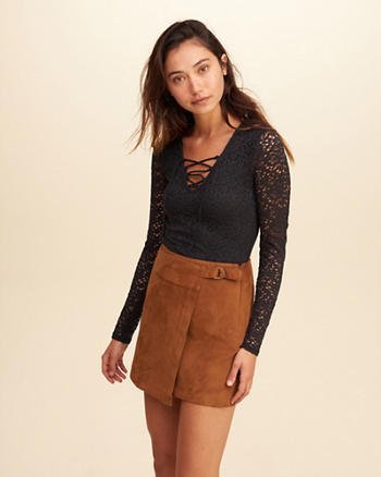 Must-Have Lace-Up Lace Top