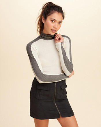 Colorblock Turtleneck Top