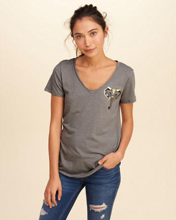 V-Neck Easy Graphic Tee