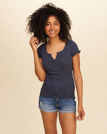 Must-Have Ribbed Henley