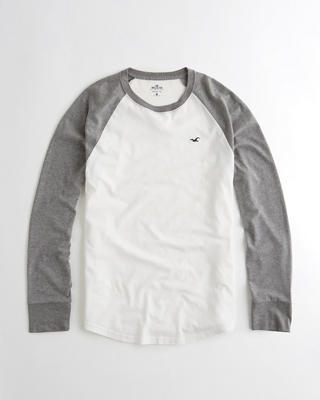 Must-Have Raglan T-shirt