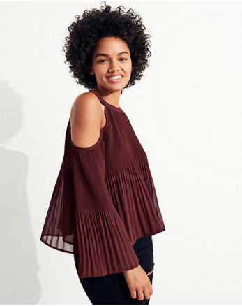 hol Pleated Cold Shoulder Top