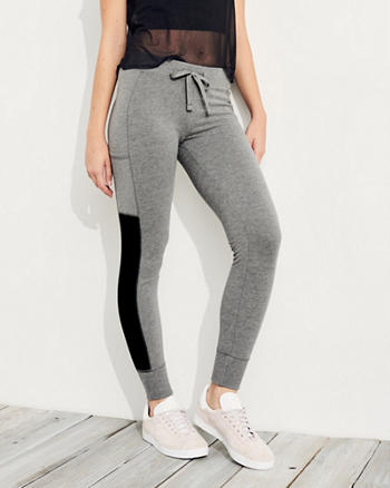 Graphic High-Rise Fleece Leggings