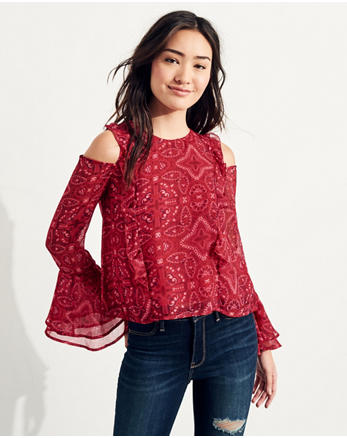 hol Ruffle Cold Shoulder Top